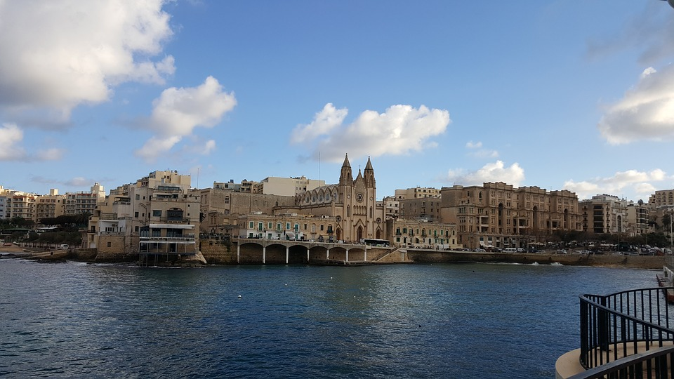 地中海に浮かぶ美しい島マルタ!マルタの気候で留学時に注意する点は?