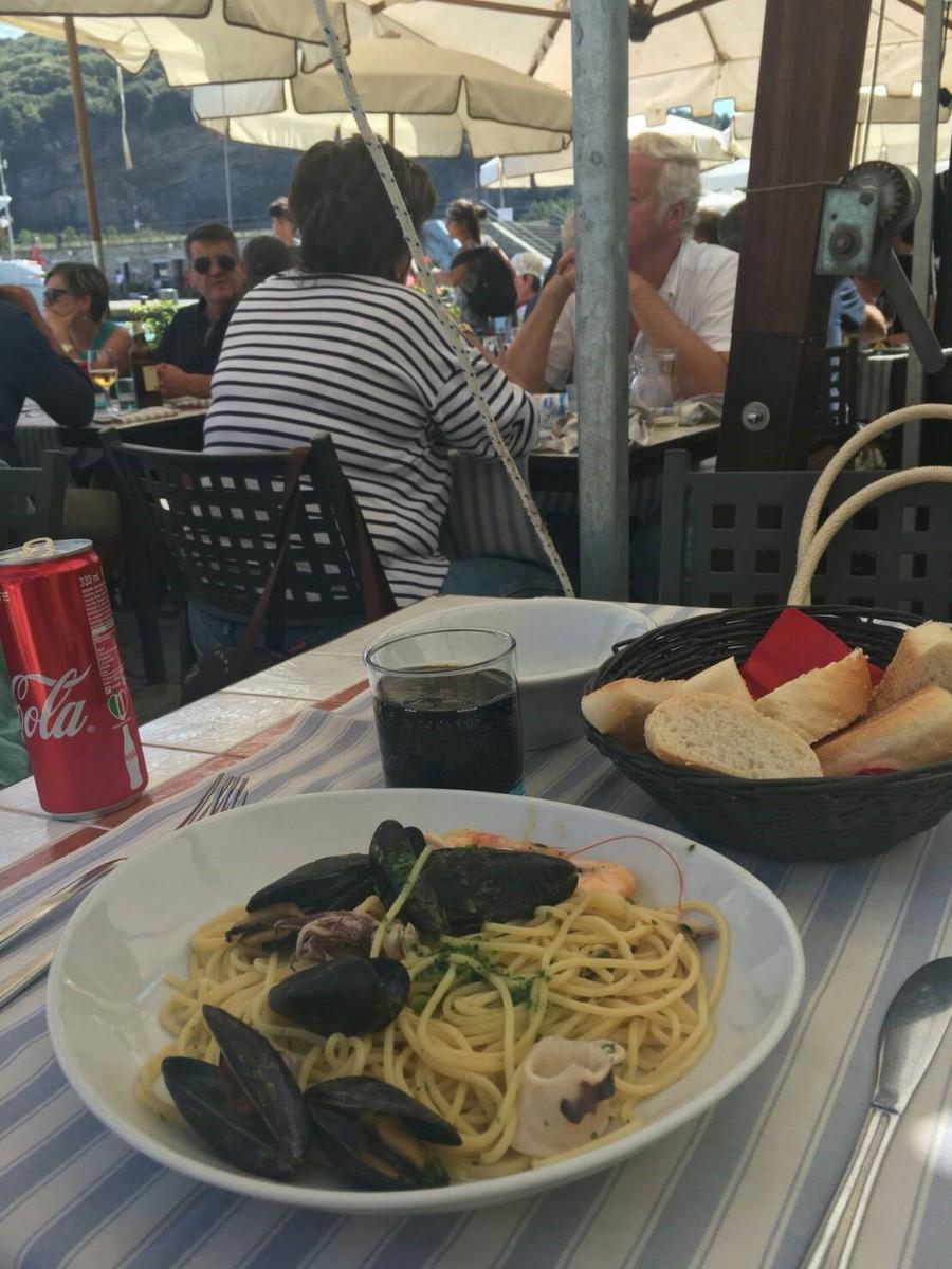 夏のイタリア観光♪Vol.16 シーフードがおいしいポルトヴェーネレの街【あーやのイギリスワーホリブログ】
