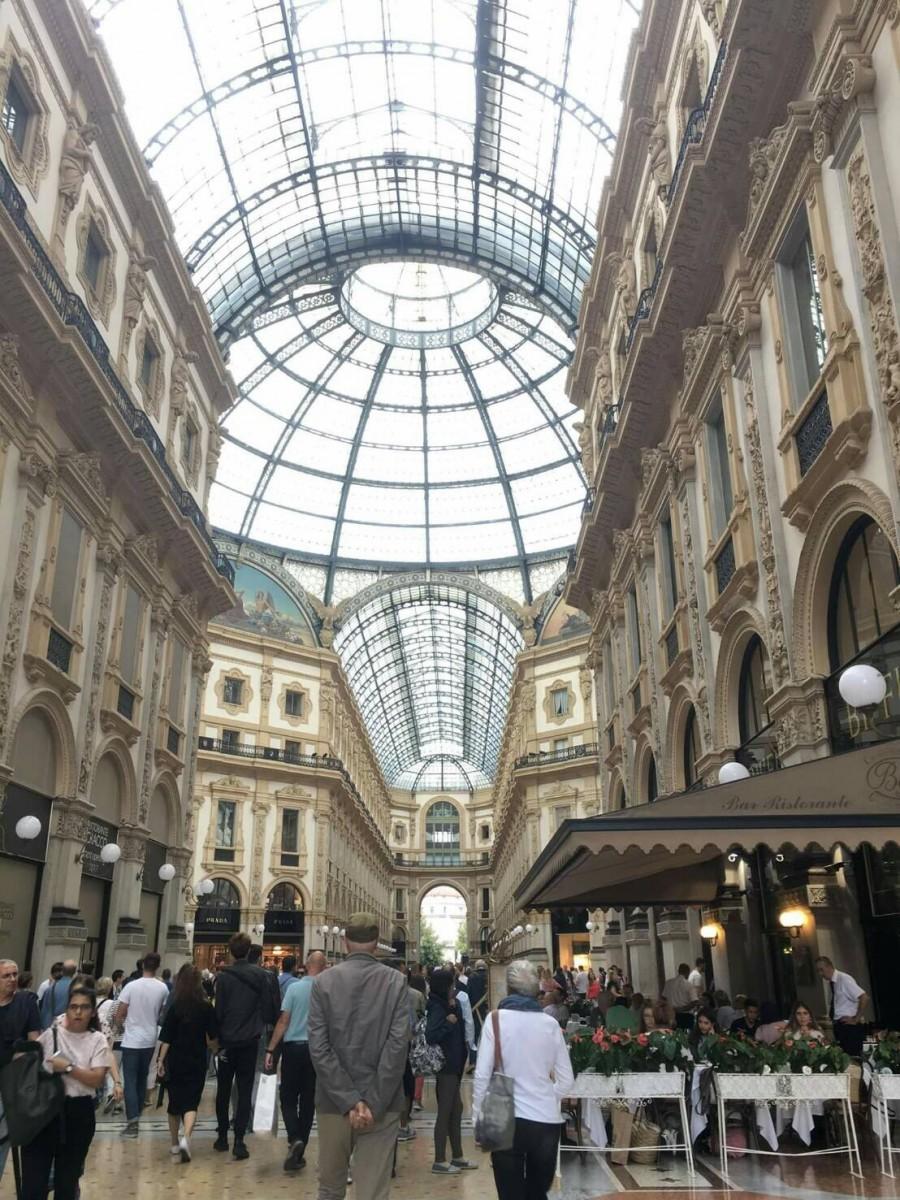 夏のイタリア観光♪Vol.3 ミラノのとってもお洒落なアーケード街へ♪【あーやのイギリスワーホリブログ】