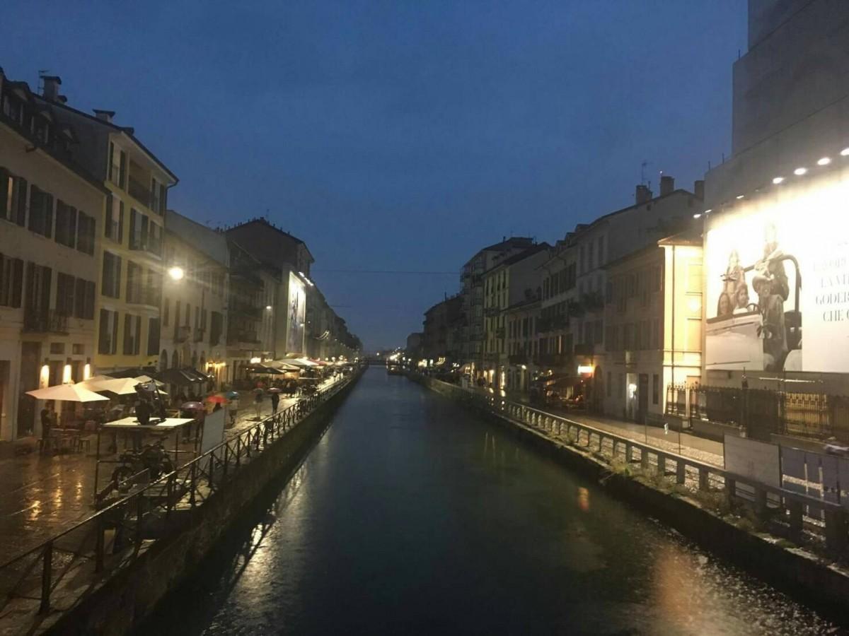 夏のイタリア観光♪Vol.4 夜景がお勧めのナヴィリオ運河へ♪【あーやのイギリスワーホリブログ】