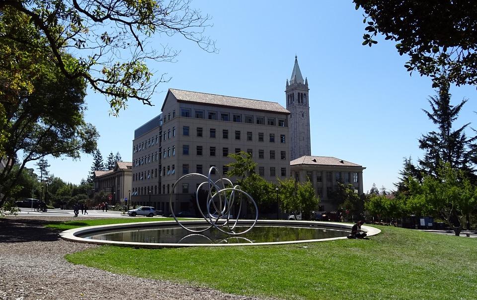 カリフォルニアには3種類の大学がある