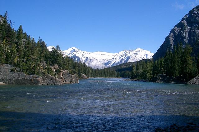ロッキー山脈のふもとにある自然豊かなカナダの州「アルバータ州」