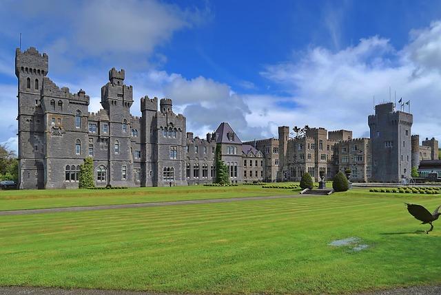 広大な自然と歴史的建造物。アイルランドの環境