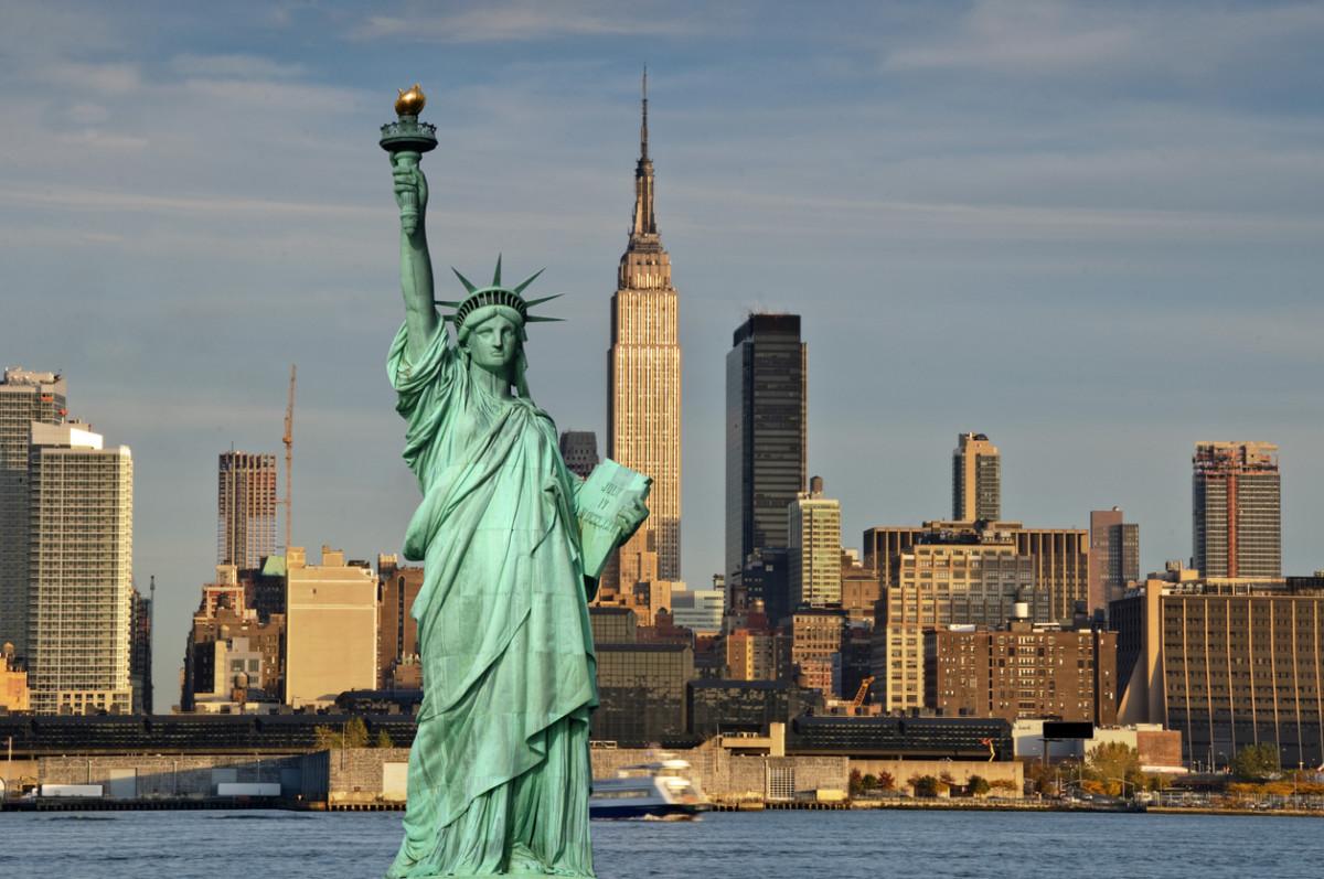 アメリカの大学に留学するのは安い?学費などの費用はいくらかかるのかを解説