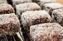「極上♥Oziスイーツ特集」オーストラリア伝統のお菓子ラミントン
