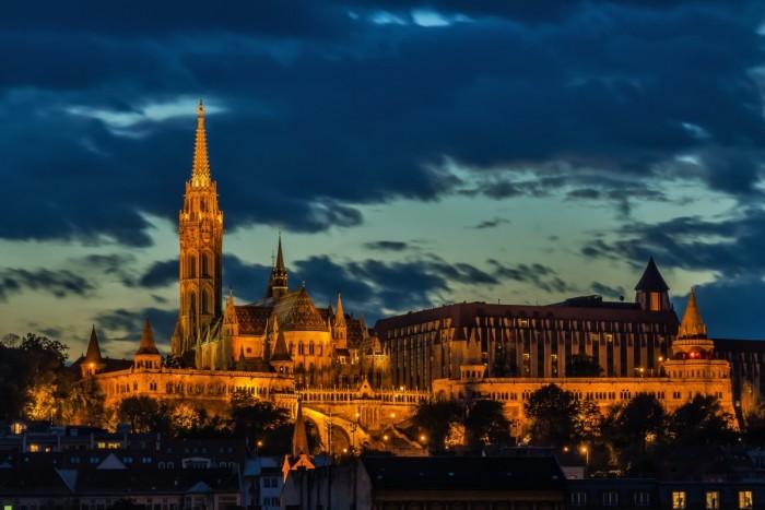 海外の医学部に留学するならハンガリーが人気のワケ
