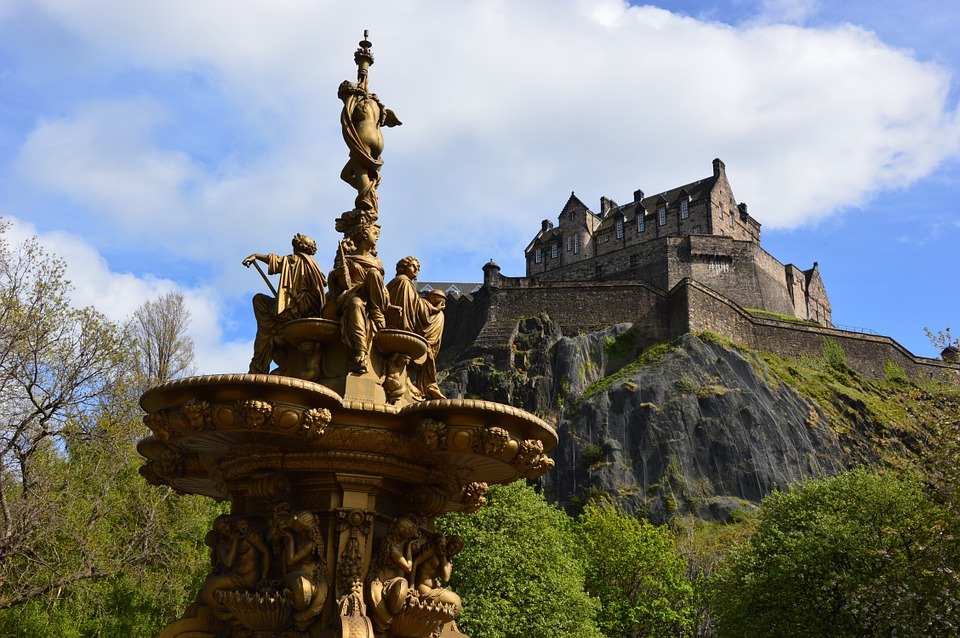歴史的な建物や自然を楽しめる!スコットランドの見所
