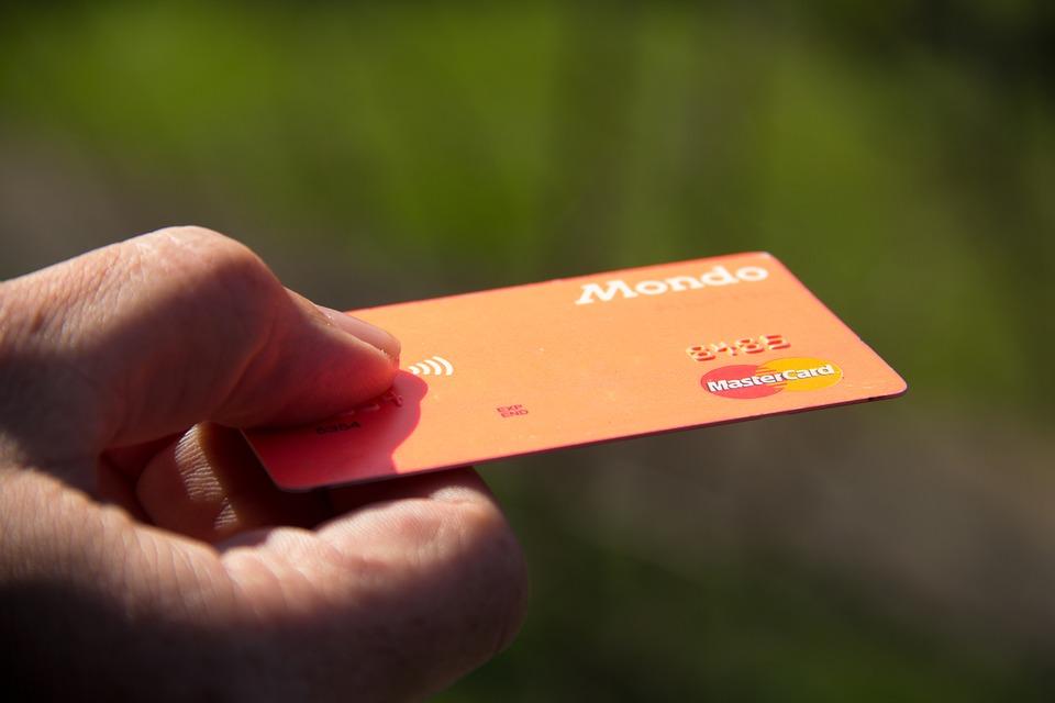 カードでも支払い可能!?チップの払い方について