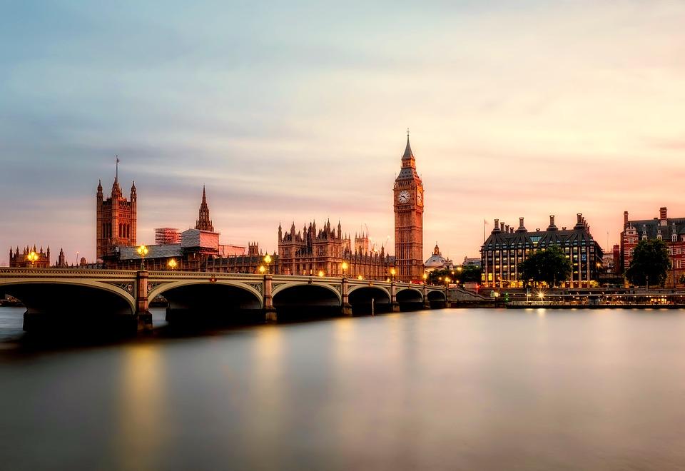日本からイギリスの大学に留学する方法