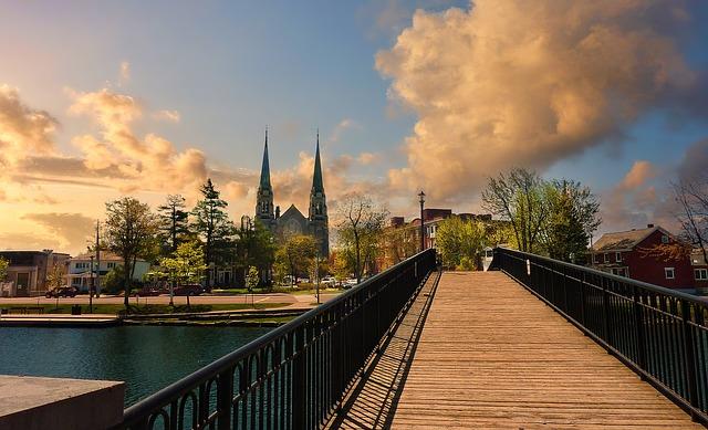カナダ留学の隠れた穴場!オタワ大学の魅力や費用をご紹介します