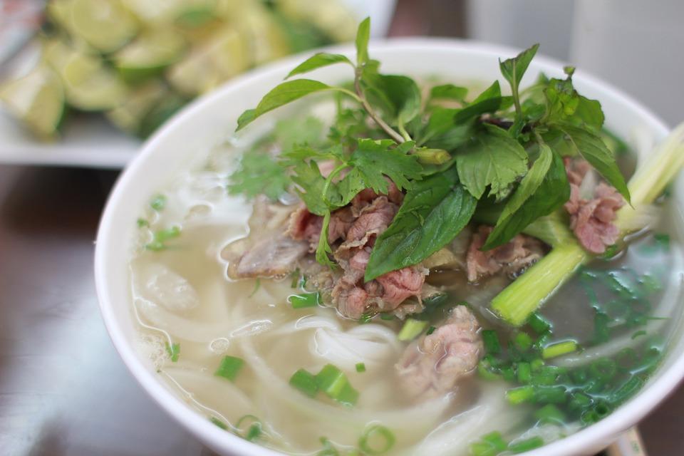 フィリピンの代表的な食べ物その➁:麺や米メインの料理