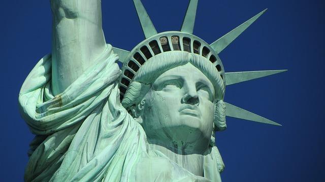 アメリカ留学はメリットが多い!デメリットや費用についても解説