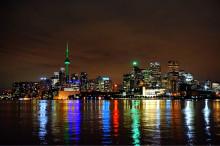カナダ留学はこんなに楽しい!トロントの夜景スポットでロマンティックな気 分に♪