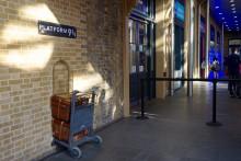 ロンドン観光!キングスクロス駅でPLATFORM9³/₄で記念撮影♪