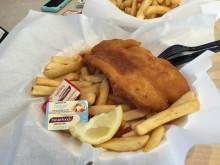 GIRLS留学 オーストラリアなう Fish and Chips 食べてます><