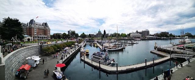 カナダの西側に浮かぶ島の都市「ビクトリア」の基本情報