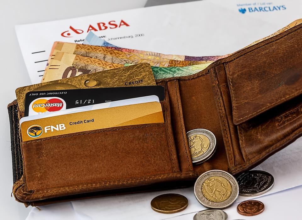 カナダへのお金の持ち込み手段3選